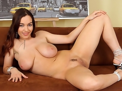 bed big natural boobs