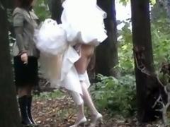 bride pissing